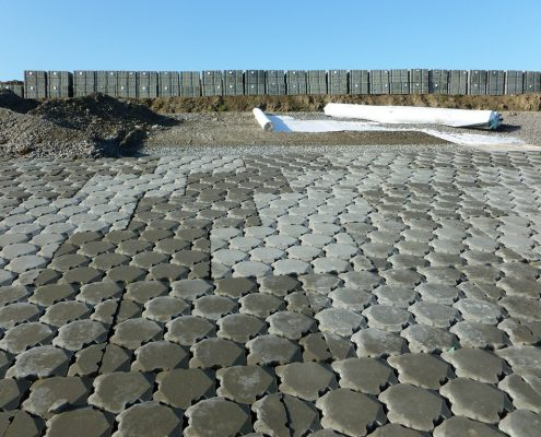 T&F geotextielen: NON WOVEN 25 onder Ronaton betonzuilen